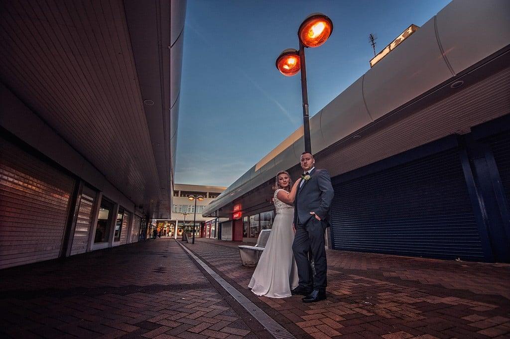 Sesja ślubna w opuszczonym mieście