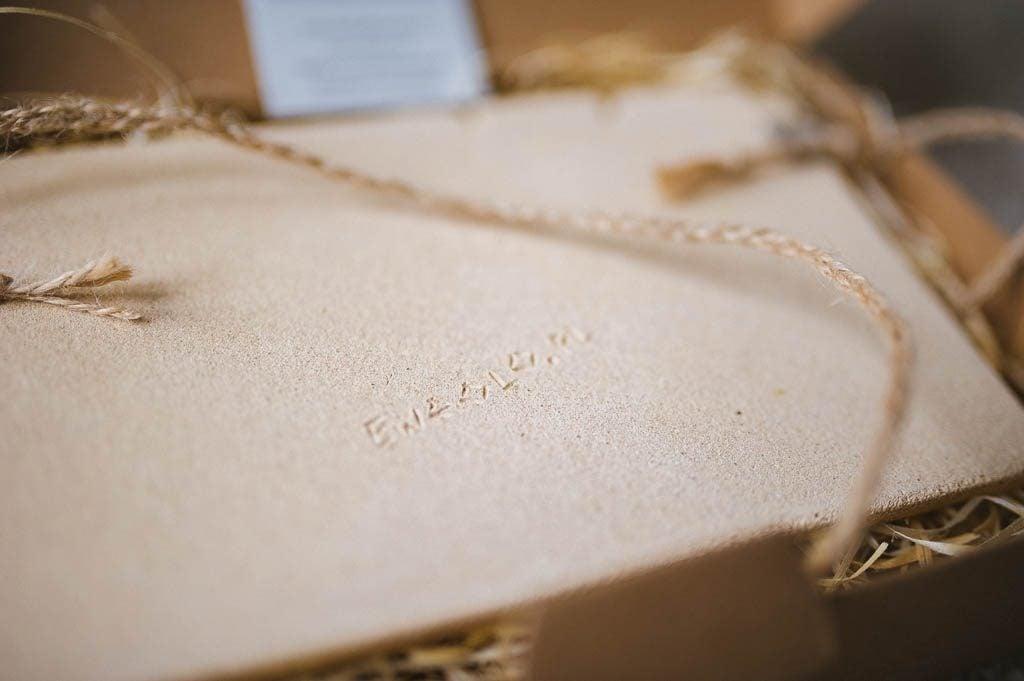 Aparat z gliny prezent dla fotografa