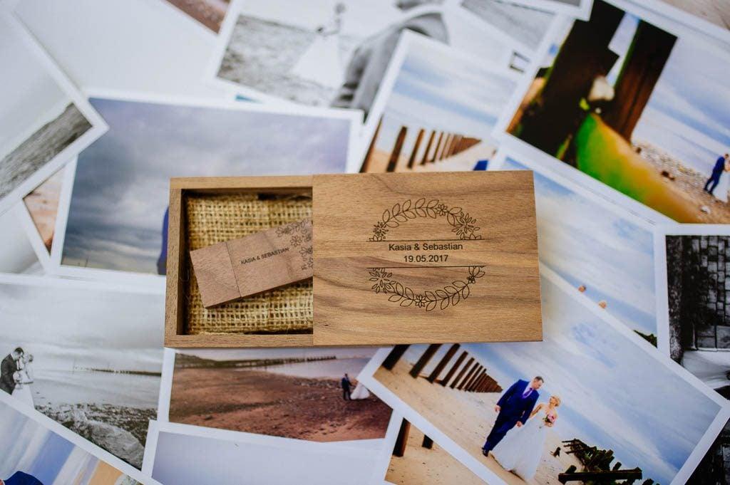 Zdjęcia śłubne na pendrive w drewnianym pudełku