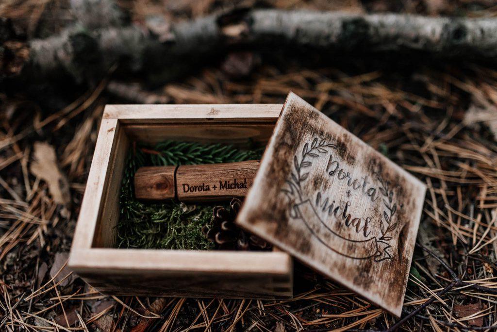 Drewniane pudełko na usb
