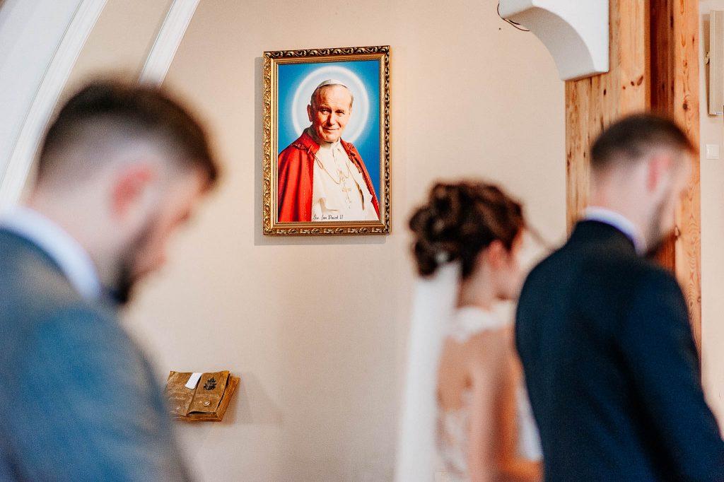 Portret Jana pawła II w parafii św Ojca pio w Gdańsku