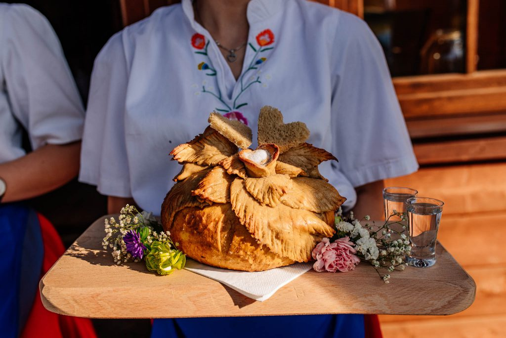 Karczma Swojak Otomin - chleb i sól