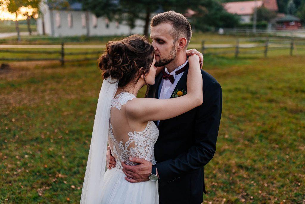 Nowożeńcy na mini sesji plenerowej w Gdańsku
