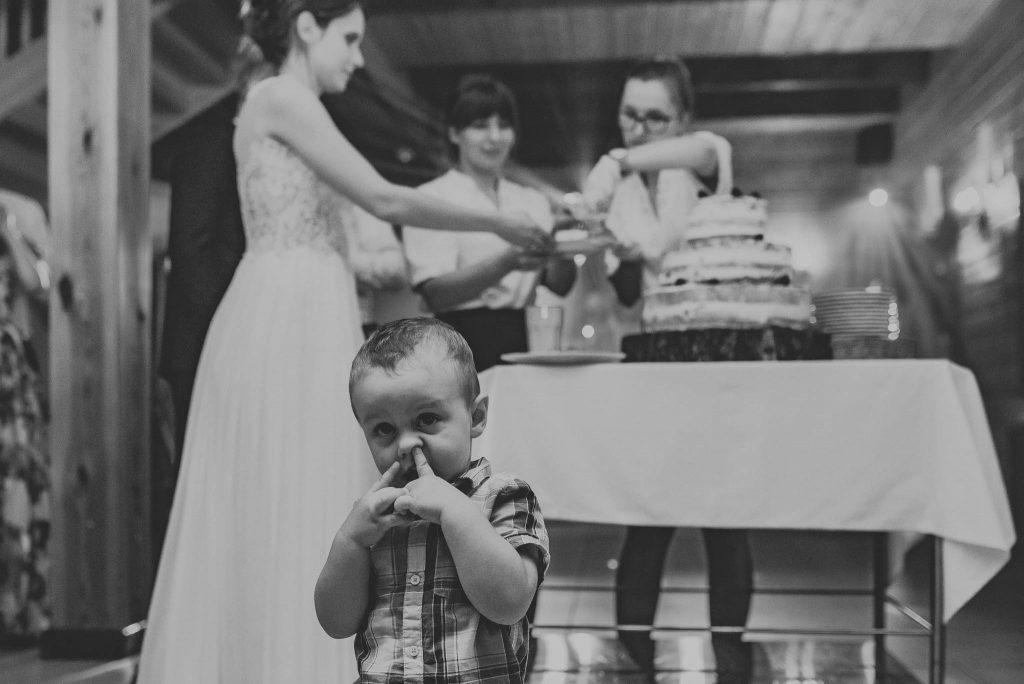 Fotobomba na zdjęciu ślubnym
