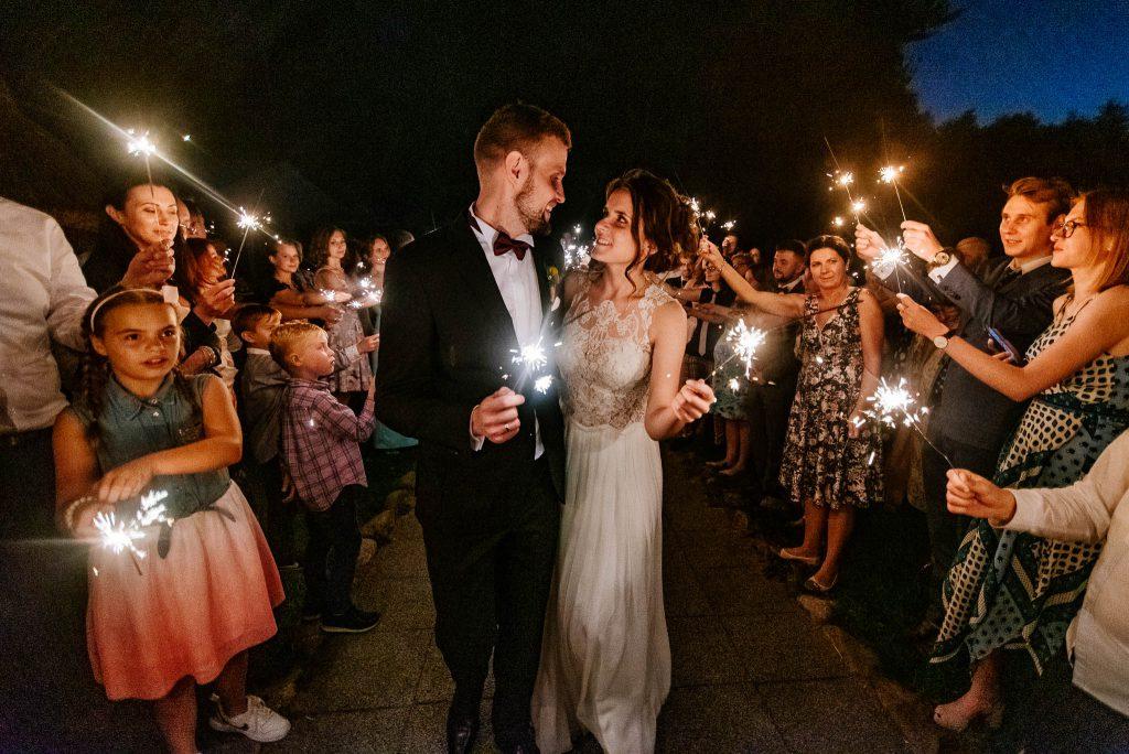 Zimne ognie na weselu w Karczmie Swojak