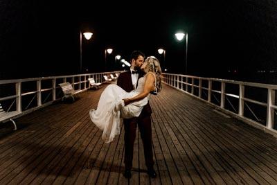 Zdjęcia ślubne z sesji na molo w Trójmieście