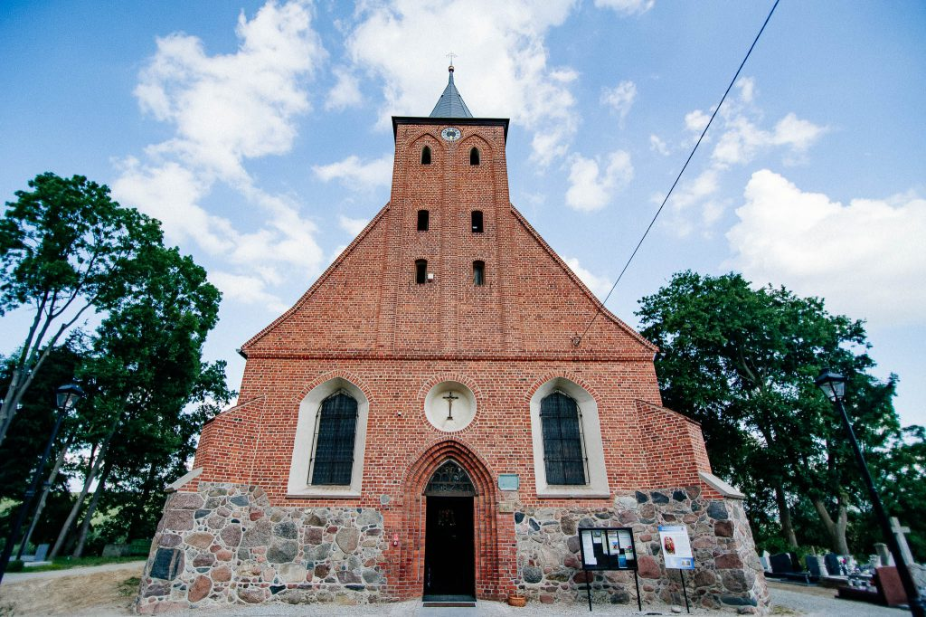 Kościół Rzymskokatolicki pw. Świętej Trójcy, Sanktuarium Matki Bożej Pocieszenia w Lubieszewie