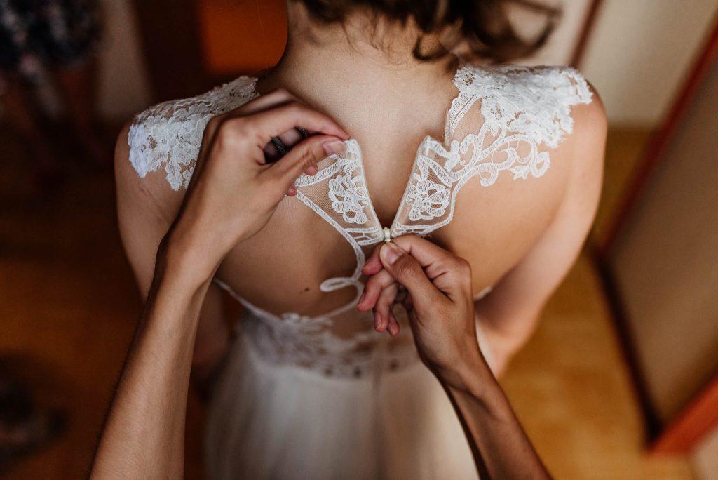 Przygotowania ślubne w domu Panny Młodej