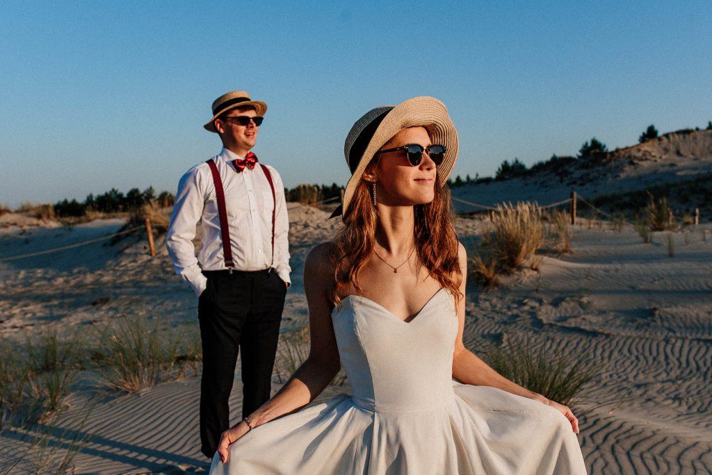 Plener ślubny na plaży z parą młodą